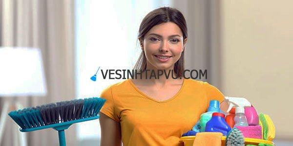 Khách hàng sử dụng dịch vụ vệ sinh văn phòng VHE