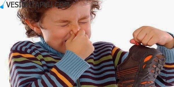 5 cách khử mùi hôi giày cực đơn giản