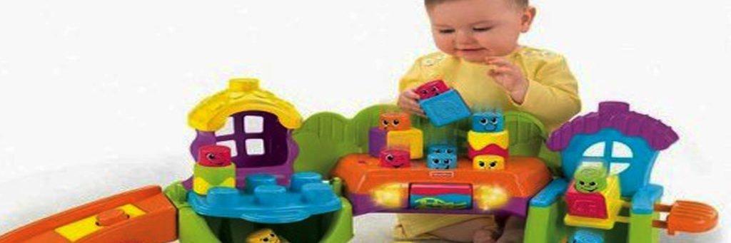 vệ sinh đồ chơi cho bé thường xuyên để bảo đảm vệ sinh và an toàn sức khỏe cho bé