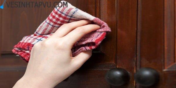 Những sai lầm khi lau chùi đồ nội thất