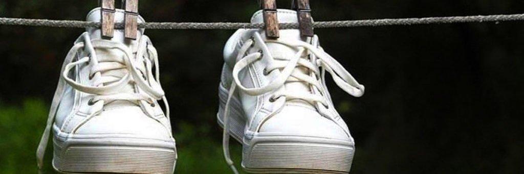 Nên phơi giày thường xuyên và bảo quản giày ở những nơi khô thoáng